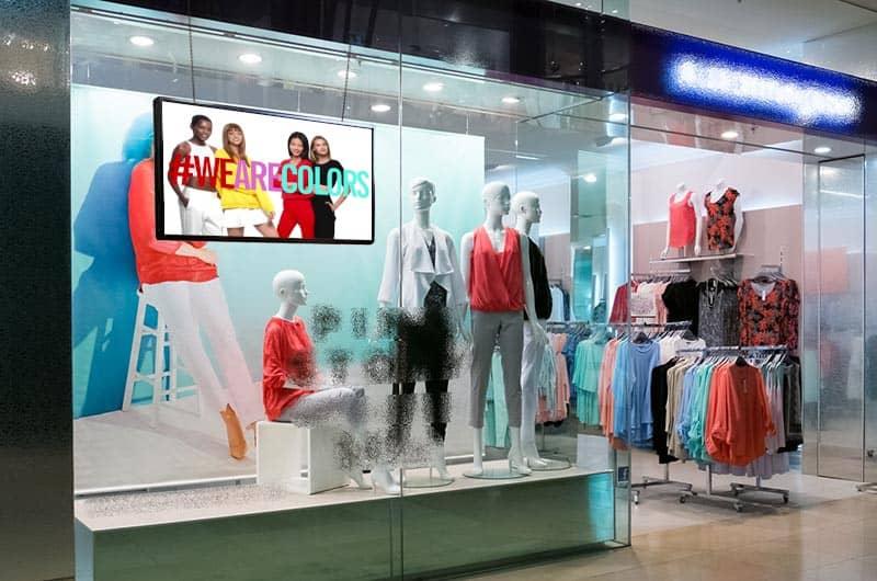 Monitor per vetrina moda